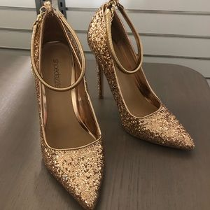 SHOE DAZZLE Women's Heels in Rose Gold Glitter